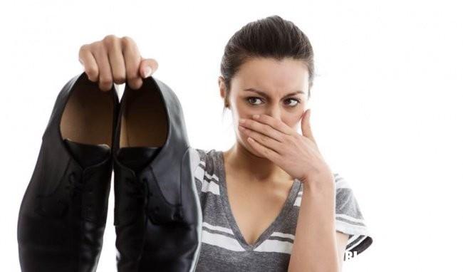 hoi chan 2 Những nguyên nhân khiến chân bạn bị bốc mùi mãi