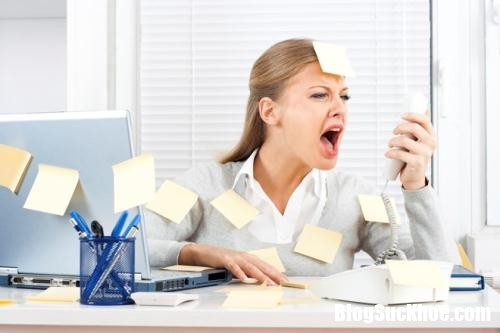 ap luc cong viec 211150604 Những cách khắc phục chứng chóng mặt kinh niên ở dân văn phòng