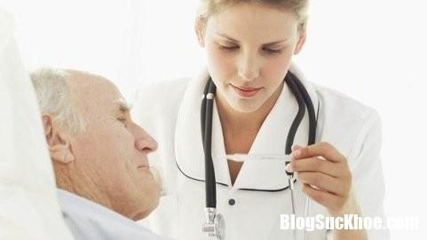 phuong phap ha sot cho nguoi cao tuoi 1.png Cách hạ sốt khi người già ốm để phòng ngừa biến chứng