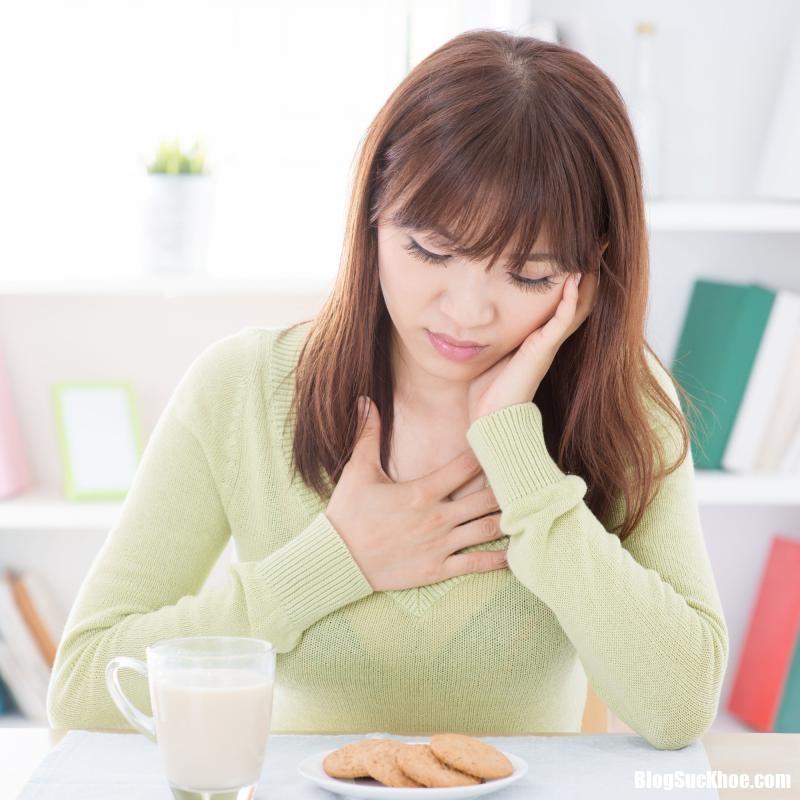 Cách đơn giản trị chứng ợ chua không dùng đến thuốc
