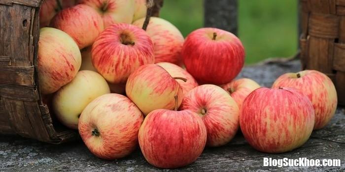 red apples 1521577242 221301364 Những thực phẩm giúp bệnh nhân tiểu đường không lo bị tăng đường huyết
