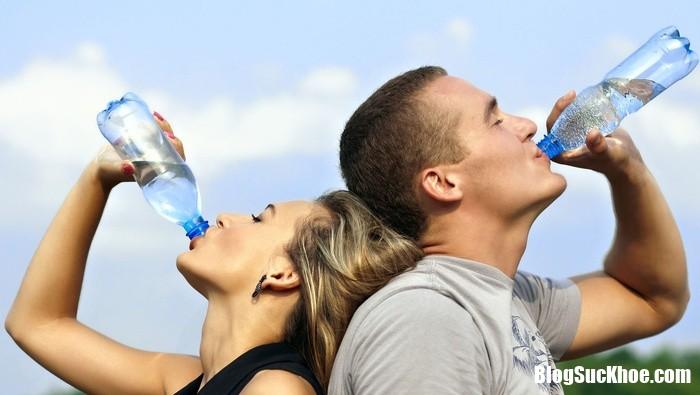 water should i drink 132724405 Chỉ cần vài mẹo này, chuyện ấy của bạn sẽ thăng hoa đến không ngờ