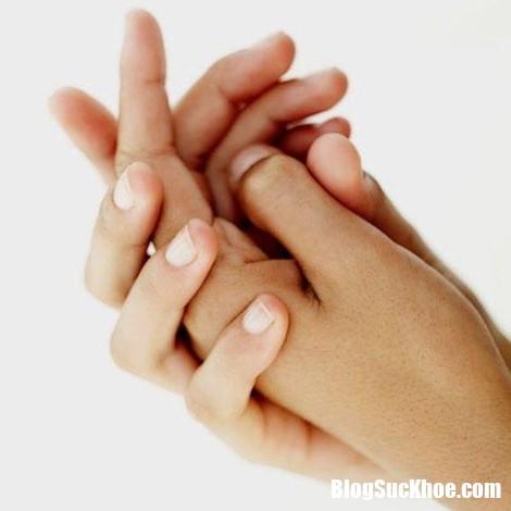 nguy hai khon luong khi cham tay vao nhung bo phan co the nay Vi khuẩn gây bệnh lan truyền từ chính đôi bàn tay