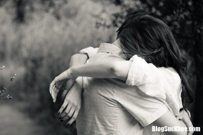 photo 1 15517645052172113374680 Ôm nhiều, cười nhiều và kết hôn để ngăn chặn bệnh tim