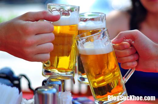 bia ruou 231910531 Thời tiết dù có nắng nóng cũng đừng nên uống 6 loại nước này