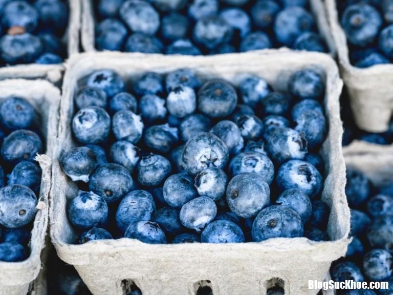 blueberries 768x576 Đây là loại thực phẩm bổ dưỡng nhất dành cho mắt người làm việc máy tính