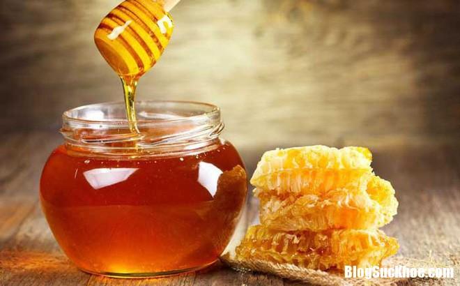 Tac dung bat ngo cua mat ong len nhung benh tinh duc pho bien mat ong 1559101481 319 width660height410 Tác dụng vô cùng bất ngờ của mật ong lên những bệnh tình dục phổ biến